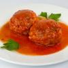 Una receta para chuparse los dedos: albóndigas con salsa de vino tinto
