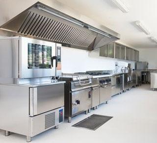 C mo debe ser la cocina de un restaurante ehosa for Cocinas de restaurantes modernos