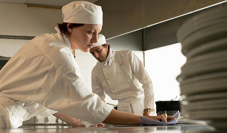 Normas sanitarias para cocinas de restaurantes ehosa for Articulos para restaurantes